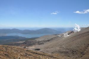 Blick auf den aktiven Vulkan und den Taupo See
