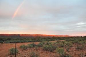Regenbogen beim Sonnenuntergang