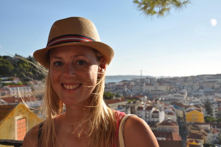 Lissabon: Abends am Largo da Graça
