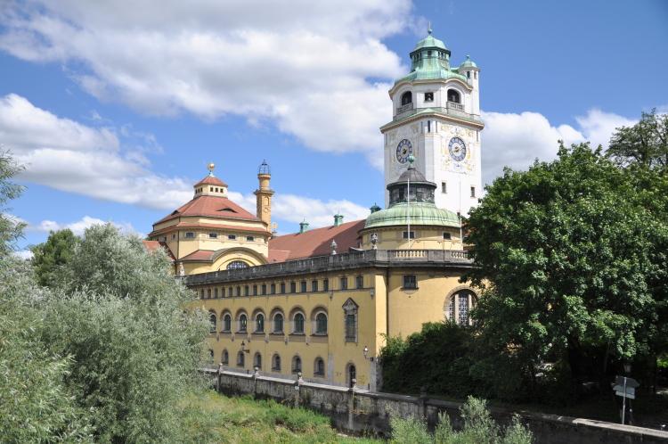 Müllersches Volksbad: Schwimmen in Jugendstil-Atmosphäre