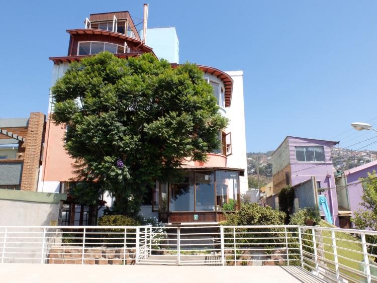 Das Haus des Dichters Pablo Neruda (von innen spektakulärer als von außen, aber: Fotos leider verboten)
