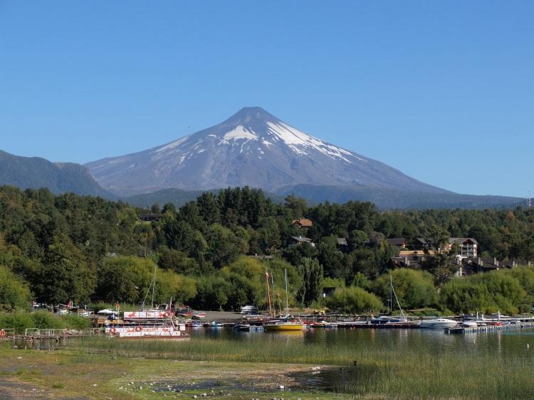 Vulkan Villarica von Pucón aus