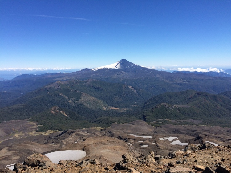 Vulkan Villarica auf der einen Seite...