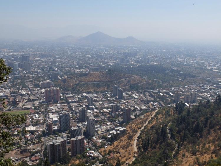 Santiago vom Cerro Cristobal, im Hintergrund die Anden