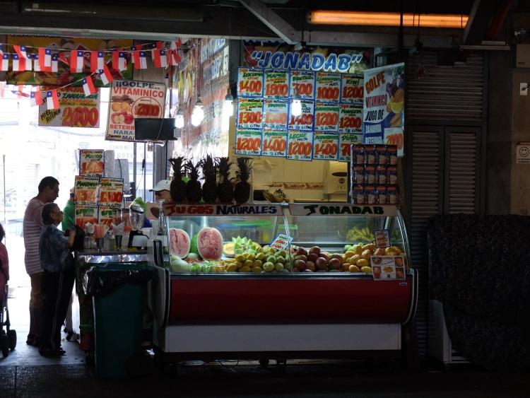 Saftbar in La Vega, Santiagos Obstmarkt