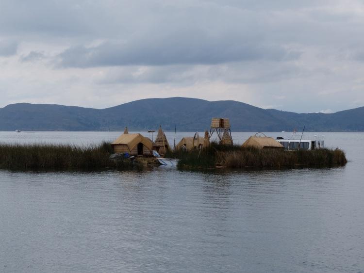 Schwimmende Inseln der Uros im Titicacasee