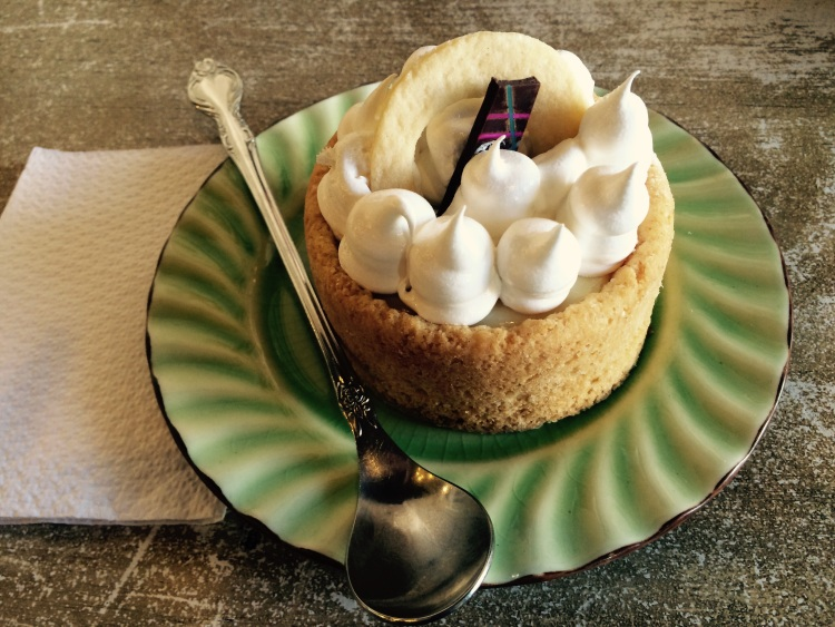Leckerer Pie de Limón im Café Valeriana
