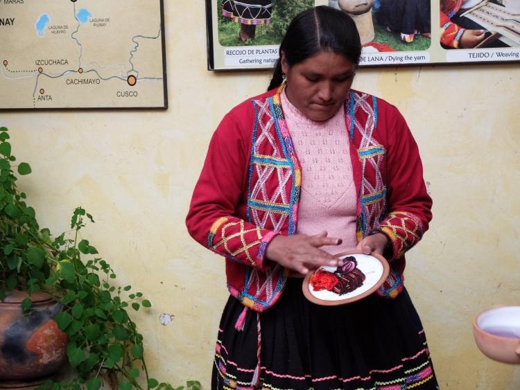 Mischen traditioneller Stofffarben