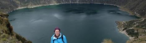 Wanderung am Krater entlang